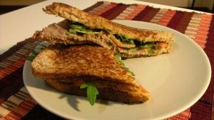 025_SandwichRapidoLucy